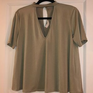 Silky short sleeve top with front keyhole cutout